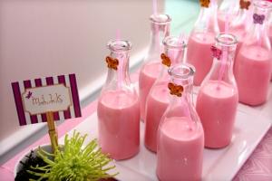 15323-strawberry-milk